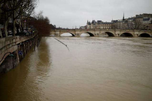 Paris floods LATEST images: Swollen River Seine keeps on rising