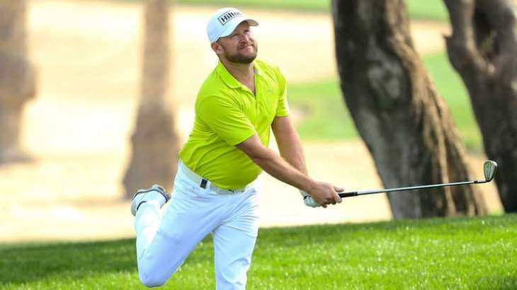 Rory McIlroy enjoys late surge on Saturday to take Dubai lead